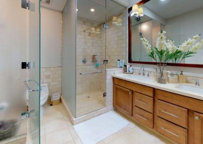 Paseo-de-las-Casas-Bathroom